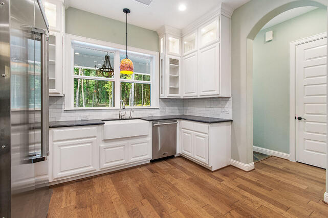 Mulled Single-hung windows in kitchen