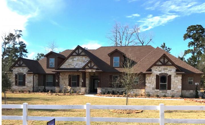 Custom Home Magnolia Texas.png