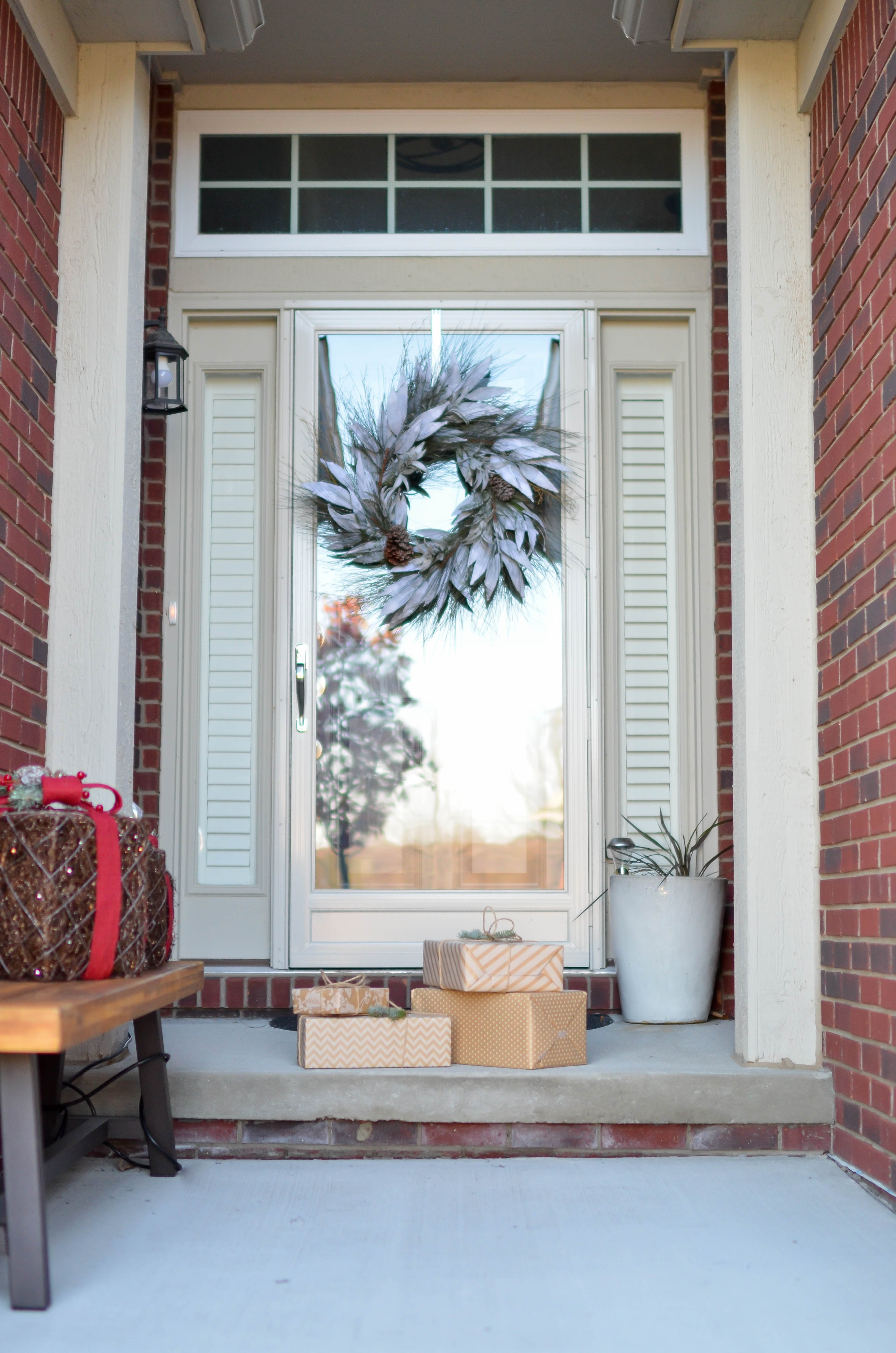 Decorating Your Front Door During the Holiday Season